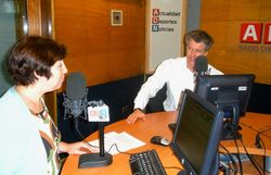 Blue ocean strategy gabor george burt adn 91.7 radio chile